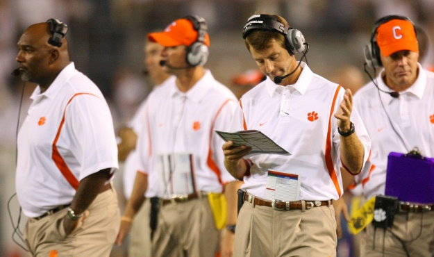 Clemson head coach Dabo Swinney gestures during third-quarter action in Atlanta on Thursday, Sept. 10, 2009. (Travis Bell/Sideline Carolina)