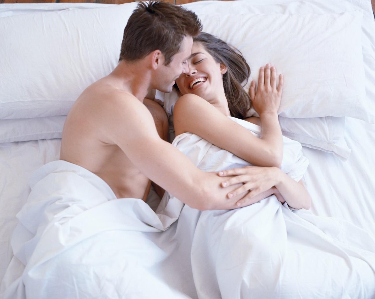 Naked woman seducing boyfriend — 6