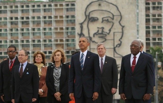 """che guevaras role in the cuba revolution The cuban revolution came out of the very history that it was determined to   revolutionaries che guevara and fidel castro in 1961  of the missiles as  having """"a devastating psychological impact on the american people."""