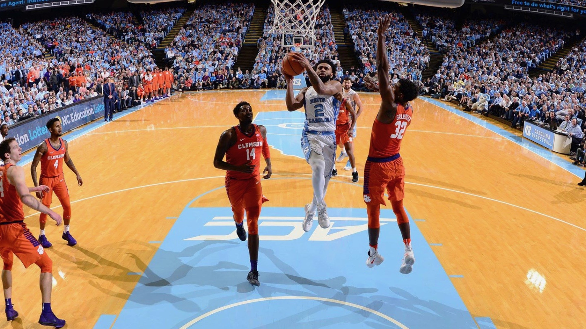 Clemson seeks elusive win at North Carolina
