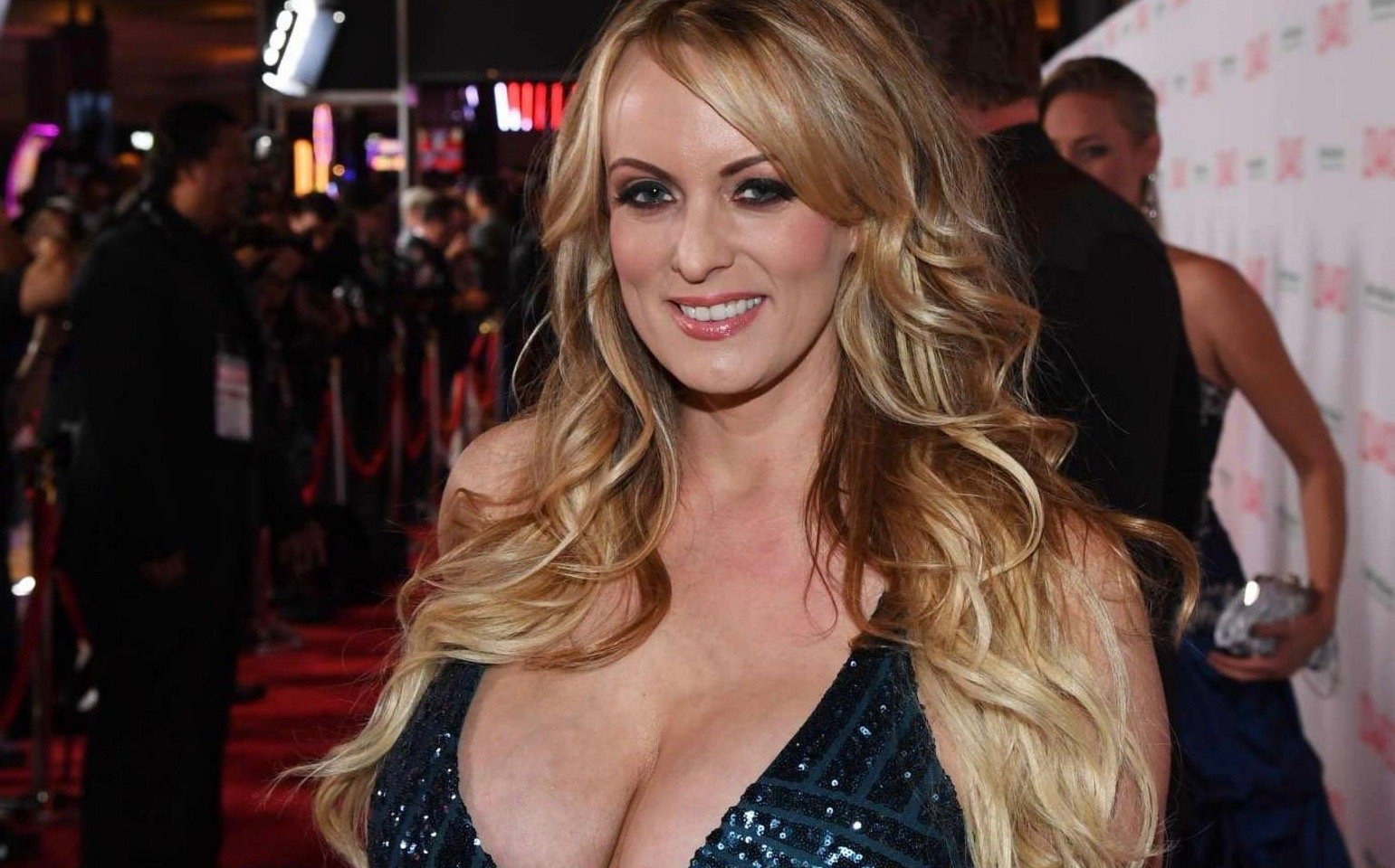 I can now tell my story, says porn star linked to Trump