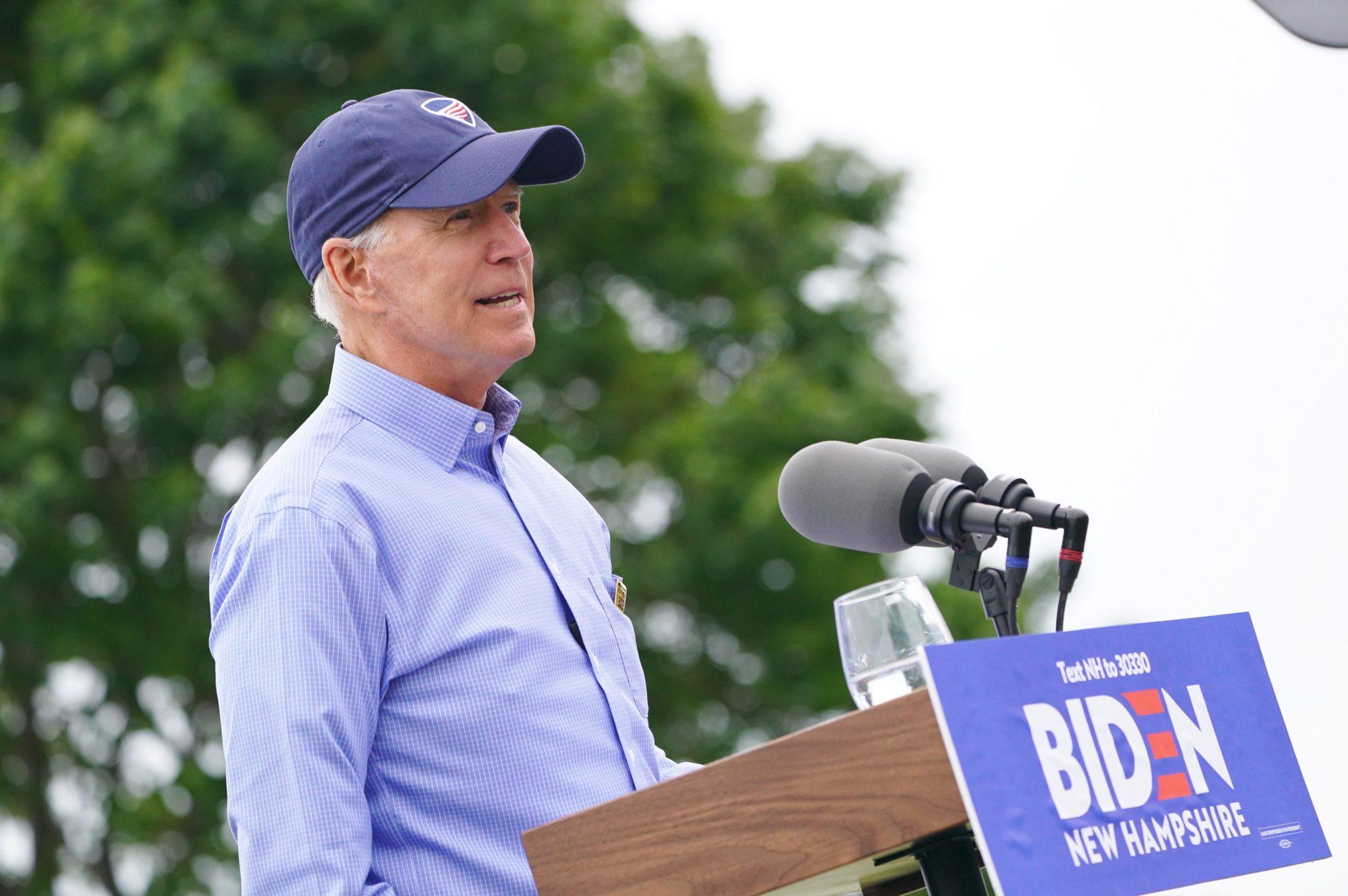 Warren narrows gap with Biden in NBC/Wall Street Journal poll