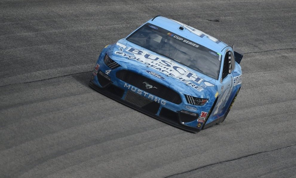 Kevin Harvick earns 50th career win as NASCAR season resumes at Darlington