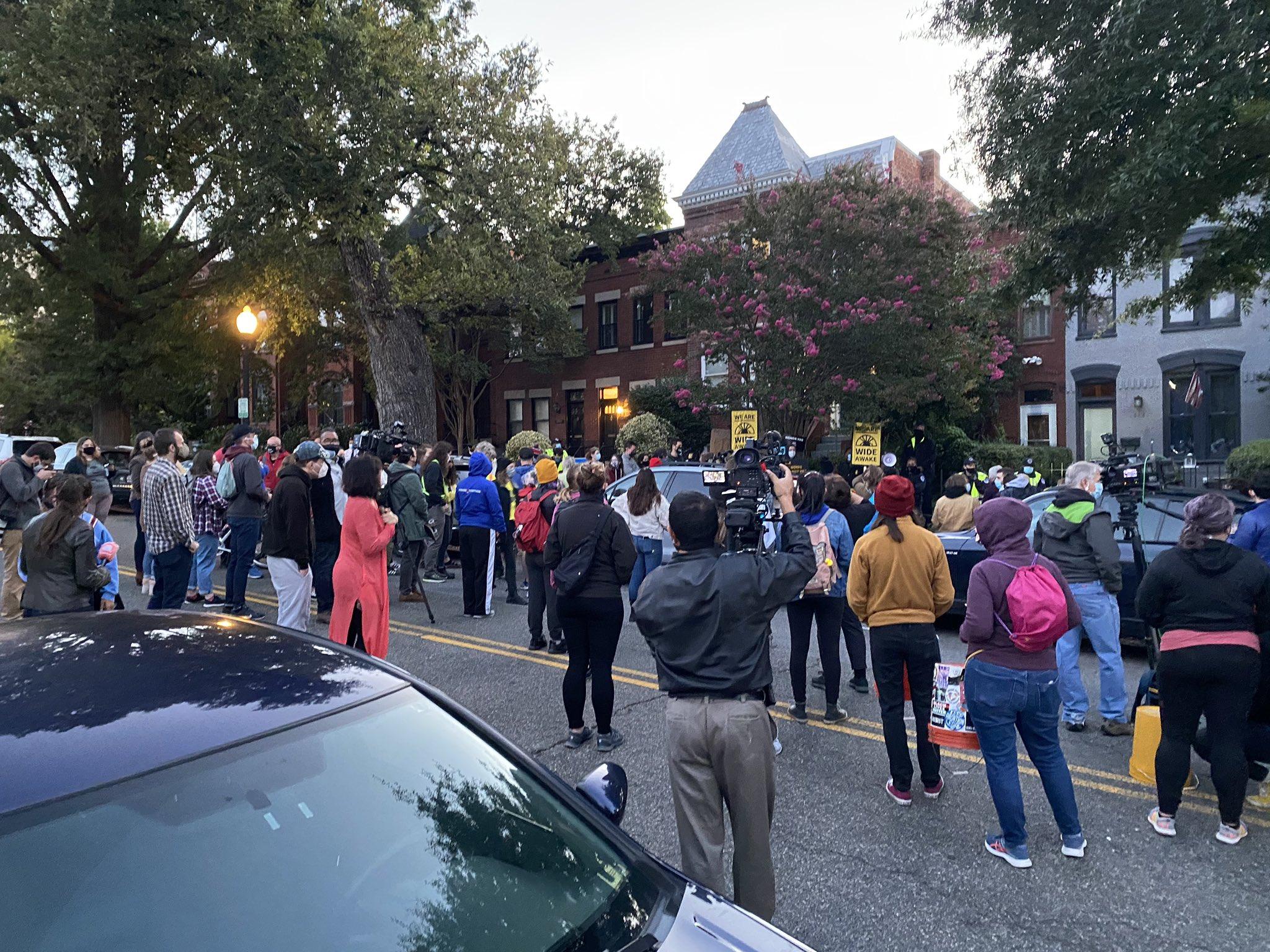 FITSNews – Washington DC Protesters Target Lindsey Graham Over Supreme Court Vote