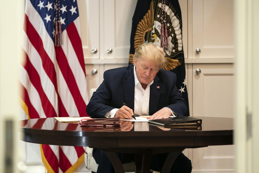 Confusion over Trump's COVID-19 diagnosis and health